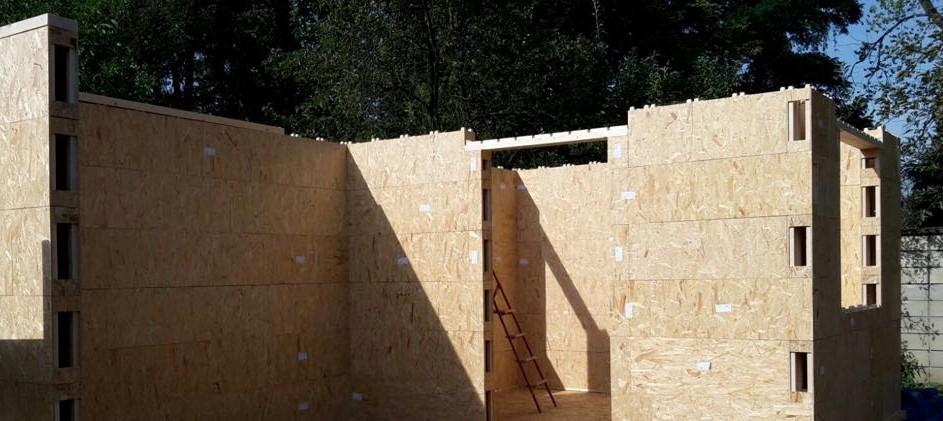 Stěna před laťováním